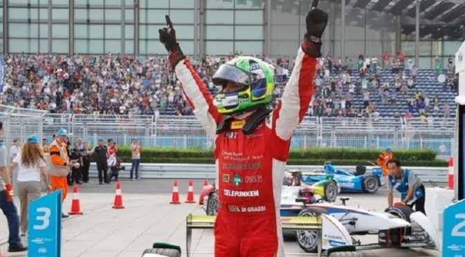 Formula E: Di Grassi wins opener in dramatic fashion