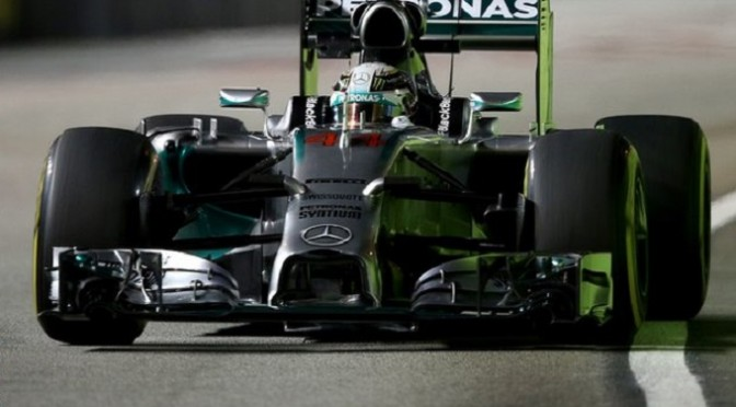 F1: Singapore: Hamilton ends day one on top