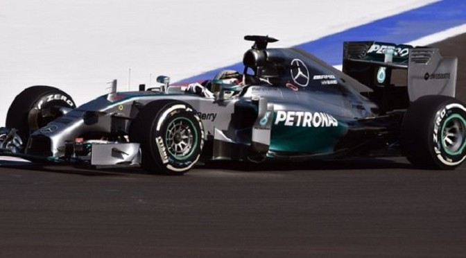 F1: Russia: Lewis Hamilton sets pace in practice