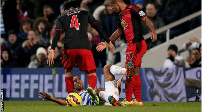 Premiership: Swansea City midfielder Wayne Routledge has red card overturned