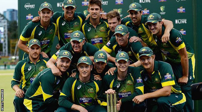 Tri-Series: Australia v England: Glenn Maxwell helps hosts win tri-series