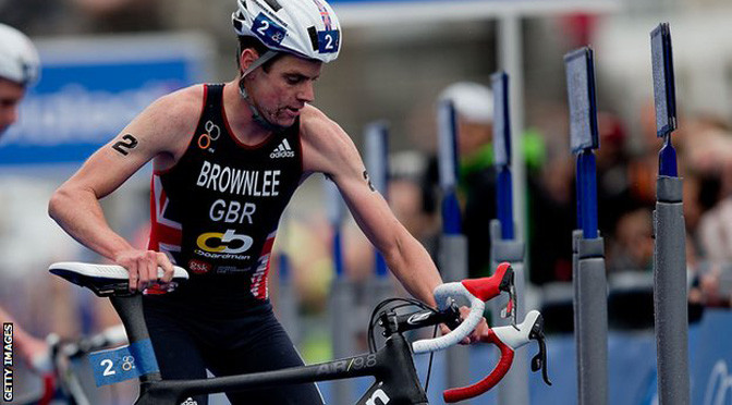 Jonathan Brownlee wins World Triathlon Series event in Auckland