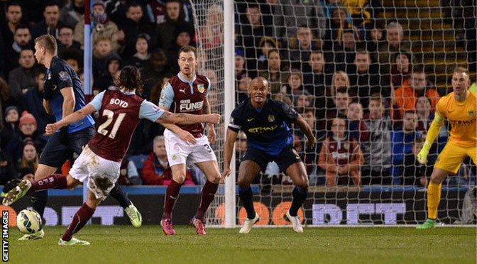 Premiership: Burnley 1-0 Man City