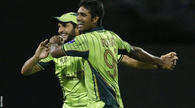 Cricket World Cup: Pakistan beat Zimbabwe to keep hopes alive