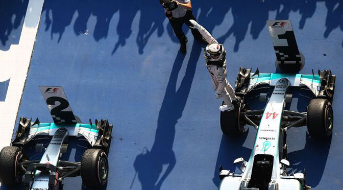 F1: Dominant Lewis Hamilton beats Nico Rosberg in China